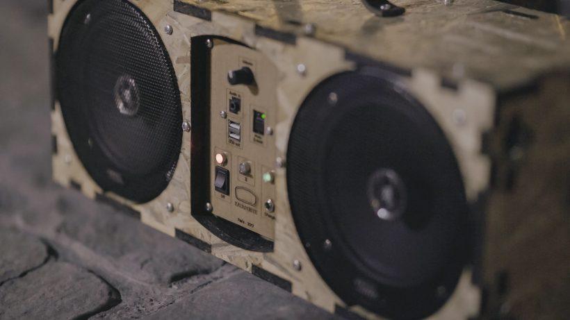 projet d'enceintes audio nomades, non-obsolescentes et open-hardware